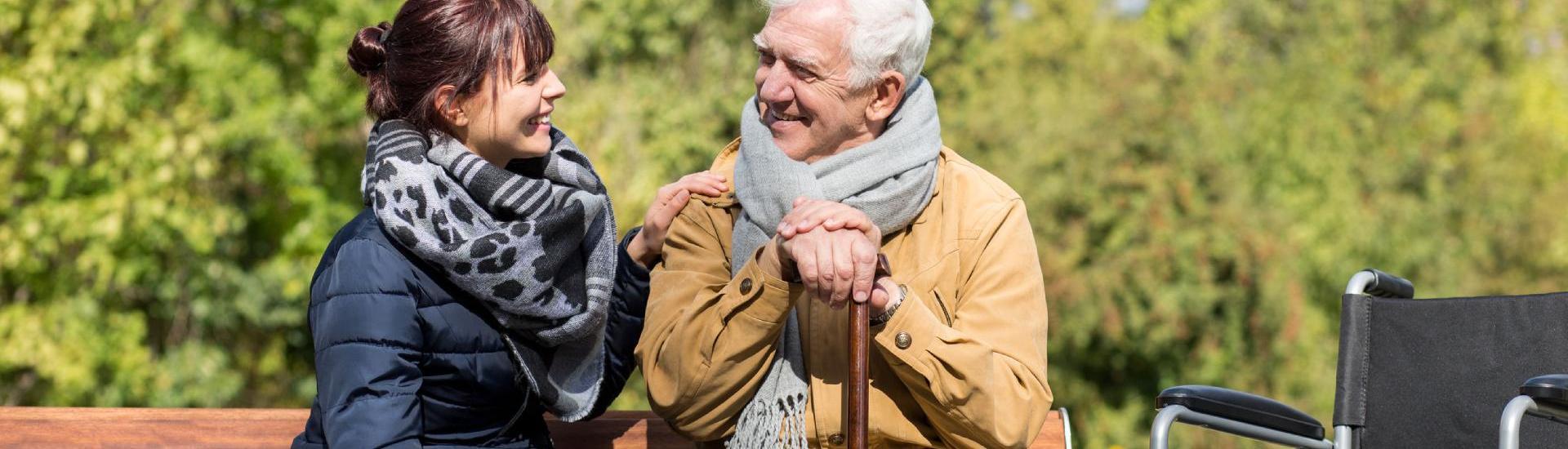 transport senior accompagné par aide a domicile